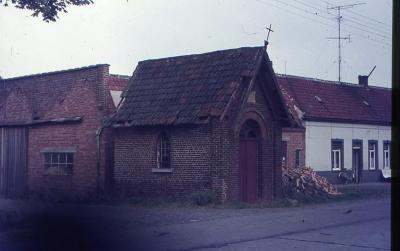De kapel in de Nazarethse Boeregemstraat in vervallen staat