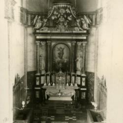 Zicht op het koor van de kerk van Sint-Martens-Leerne