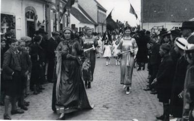 Processie te Sint-Martens-Leerne