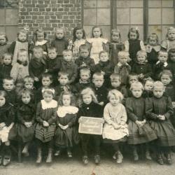 De bewaarschool van Astene anno 1911