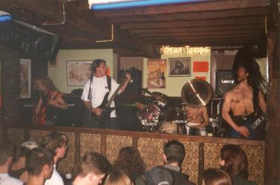Metal-concert Transsonic Voracity en Chaos in het 'Hof ter Meeren'