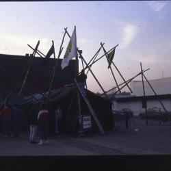 Ingang van het 24e Scoutsbal van Scouts en Gidsen Deinze aan de Brielpoort