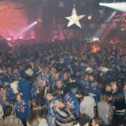 Een stampvolle Brielpoort voor Stuntnacht 1998