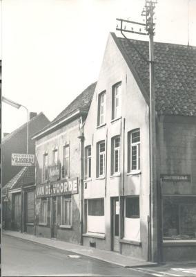 Op de hoek van de Gentpoortstraat met de Schutterijstraat