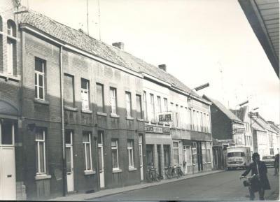 Huizenrij in de Gentpoortstraat