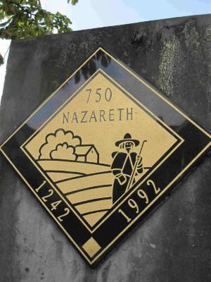 Gedenkzuil ter ere van 750 jaar Nazareth