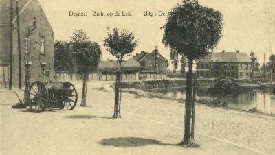 Kanon op kerkplein Deinze