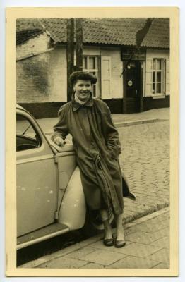 Blanche Van Heule poseert voor Café 'In De Klok'