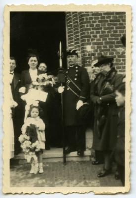 Huwelijk Madeleine Van den Berge in Bachte-Maria-Leerne.