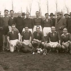 RC Gavere en bestuur, seizoen 1943-1944, in eerste provinciale (9de)
