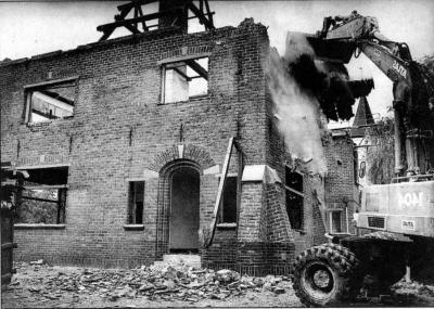 Afbraak van het gemeentehuis van Sint-Martens-Latem
