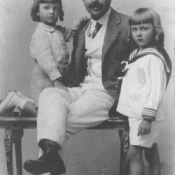 Henri de Spoelberch met zijn zonen