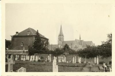 Zicht op het Eekse kerkhof