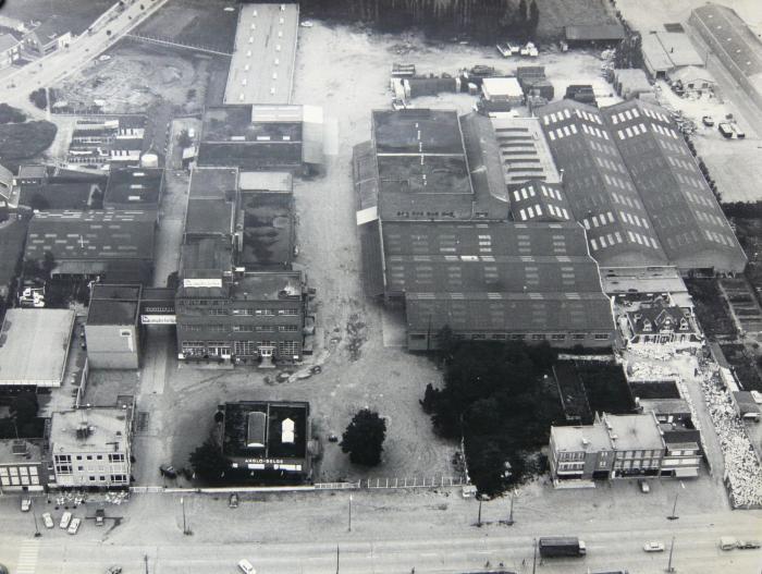Luchtfoto van de bedrijfsgebouwen van Anglo-Belge.