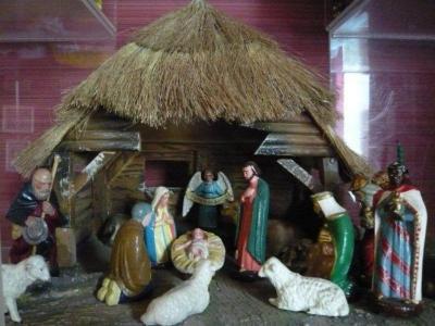 Kerststalletjes met figuurtjes van de firma Beeusaert
