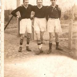 Drie voetballers van RC Gavere of VV Zingem