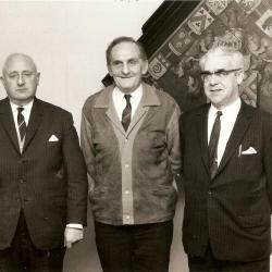 Schepen Abel Martens, burgemeester Carlo Dierickx, schepen Rufin De Vos (1972)