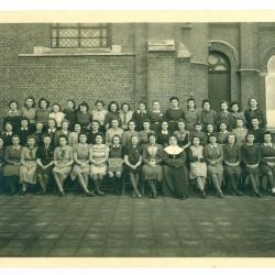 De leerlingen van snijschool Femina anno 1945