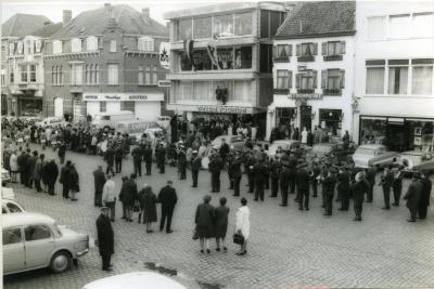 Opening meubelzaak Van de Voorde