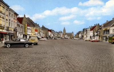 Een sfeerbeeld van de markt van Deinze anno jaren '60