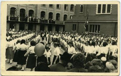 """Schoolfeest """"Expo 1958"""" op het Sint-Vincentiusinstituut"""