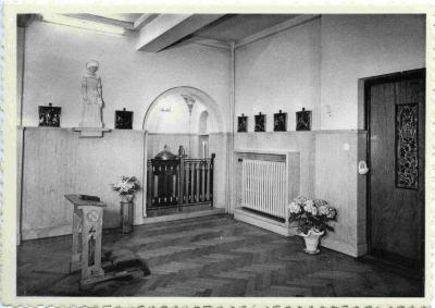 De doopvont in de kapel van het Sint-Vincentius ziekenhuis