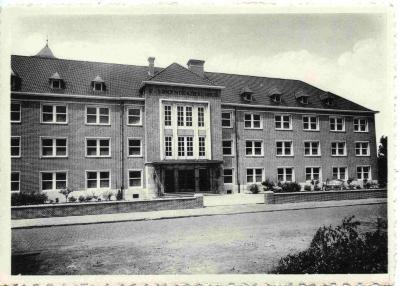 Het pas gebouwde Sint-Vincentiusziekenhuis van Deinze