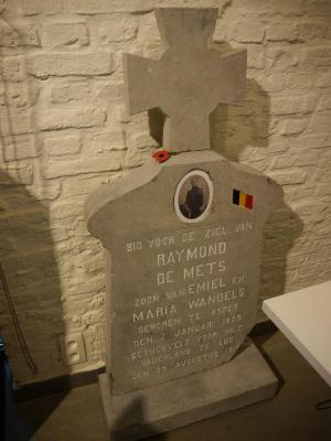 Grafsteen van Raymond De Mets