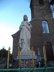 Heilig Hartbeeld aan de Zevergemse parochiekerk