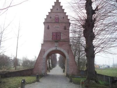 De Blauwe Poort annex duiventoren van kasteel Ooidonk