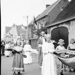 De Heilig Hart processie doorheen de Heerdweg