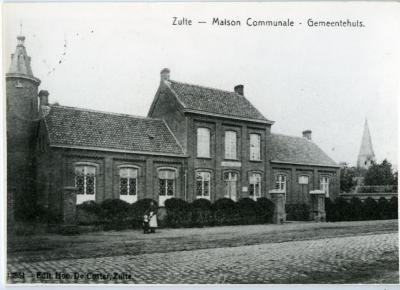 Het Zultse gemeentehuis anno 1902