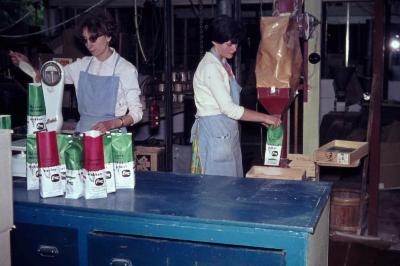 Verpakkingsafdeling fabriek LIMA jaren '60