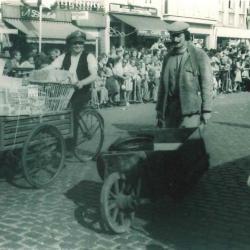 Marktventers in Canteclaerstoet, Deinze, 1975