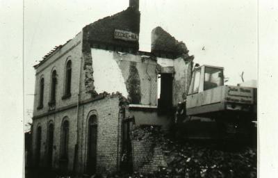 De sloop van het stationsgebouw van Eke-Nazareth