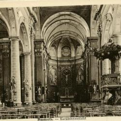 Mooi zicht op het interieur van de Nazarethse Onze-Lieve-Vrouw-Geboortekerk
