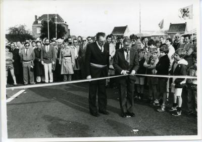 De vernieuwde Stationsstraat van Nazareth-Eke wordt plechtig geopend