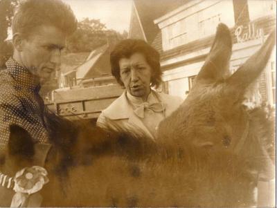 Herman van Nazareth leent 2 ezels