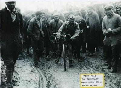 Lucien Buysse op de top van de Tourmalet