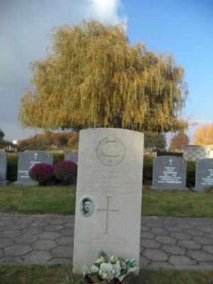 Het graf van sergeant Charles William Bull