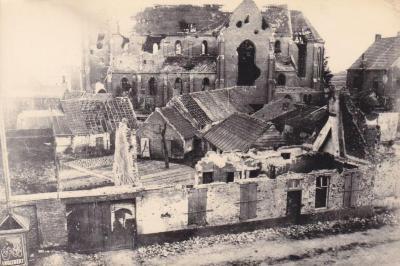 Zicht op de vernielingen in het centrum van Olsene